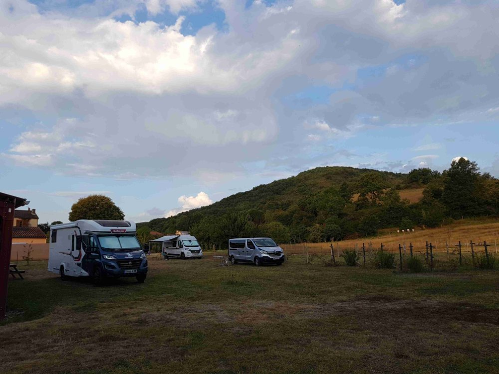 Aire camping-car à Dun (09600) - Photo 7